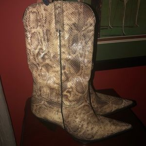"🐍 Snake Skin 🐍 Boots ""Mint Condition"""